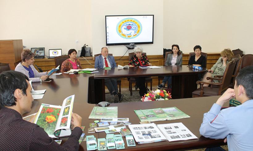 Круглый стол на тему «Тюльпан в казахстанской степи»