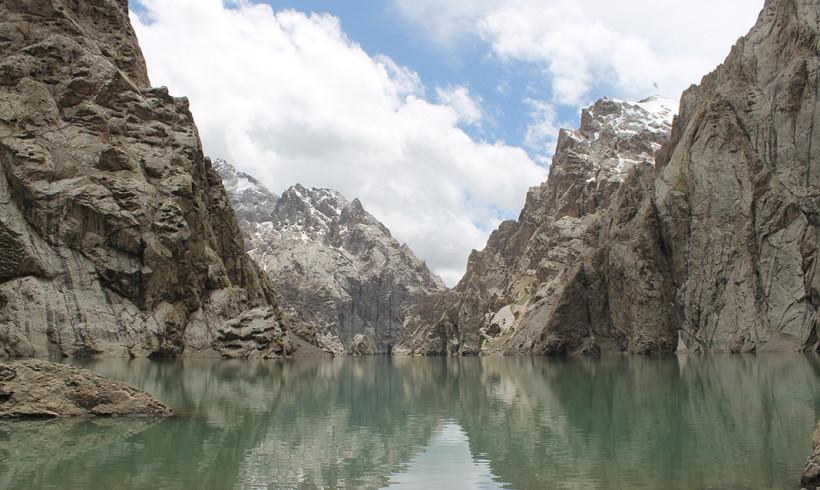 К сказочному озеру Кель-Суу