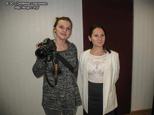 Волонтеры Даша и Таня